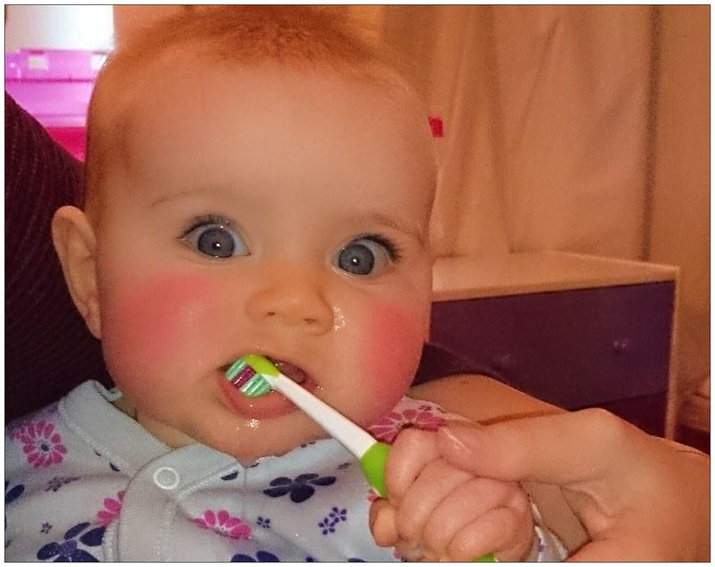 baby-poetsen